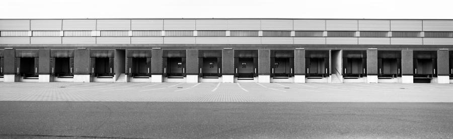 Verladehalle einer Spedition in Ueberherrn bei Voelklingen, Saarland, macingosh photography