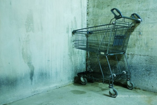 trolley in an underground carpark, macingosh photographie